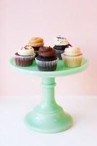 Tu-Lu's Cupcake Stand Pic
