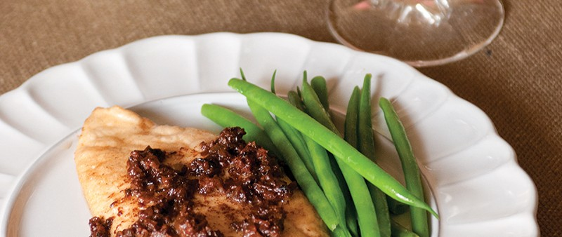 Chicken Fillets with Black Olive Sauce