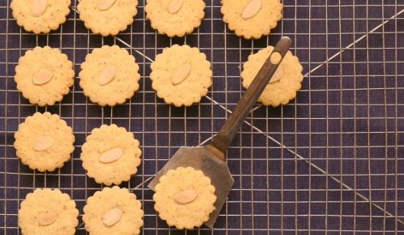Corn Flour & Almond Shortbread Cookies