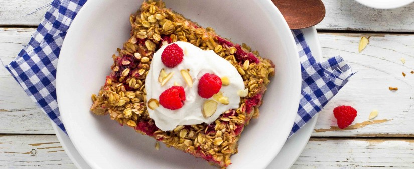 Raspberry and Almond Oatmeal Bake