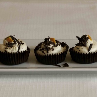 Mini Cheesecakes in Chocolate Shells