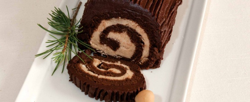 Chocolate Yule Log Cake (Bûche de Noël)