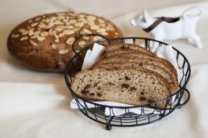 Rich Gluten-Free Currant Bread