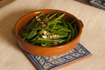 Spicy Green Beans with Almonds (Judías Verdes)
