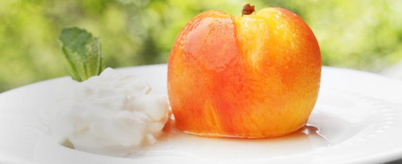 Lemongrass Poached Peaches with Vanilla Cream