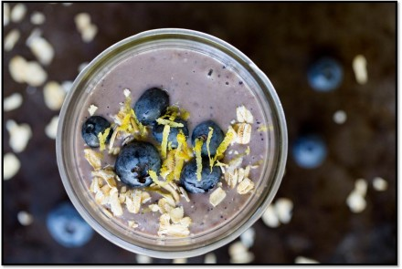 Lemon, Blueberry and Oat Smoothie