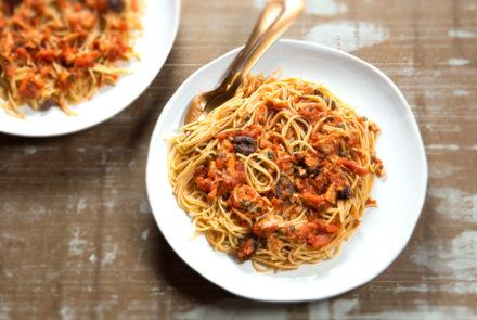 Pasta With Tuna Puttanesca