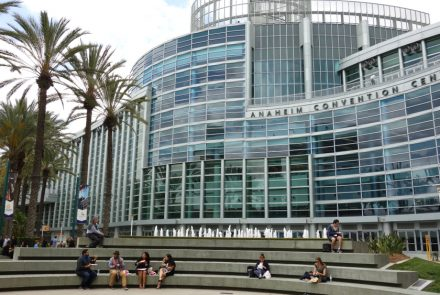 10 Tips to Survive and Thrive at Expo West