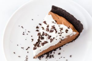 Fluffy Chocolate Mousse Pie
