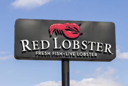 Red Lobster is Now Selling Gluten-Free Cheddar Bay Biscuit Mix