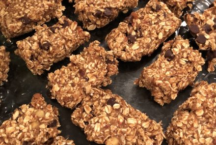 Chewy Date Granola Bars